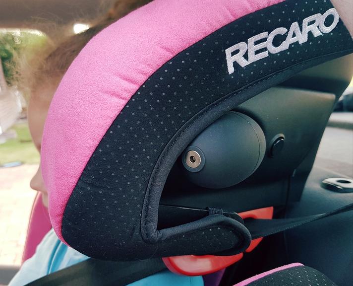 Recaro Monza Nova adjustable head rest